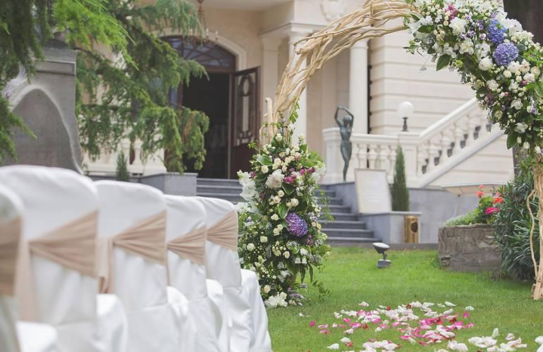 Viktorijos stiliaus vestuvių puošyba